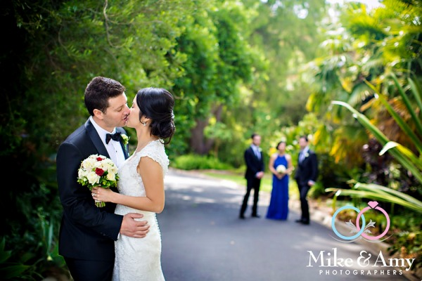 Melbourne_Wedding_Photographer_Mike_and_Amy_Winne_and_Salv-30