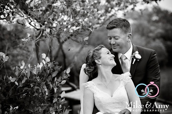 mike_and_amy_photographers_melbourne_wedding_photographers_ar-23