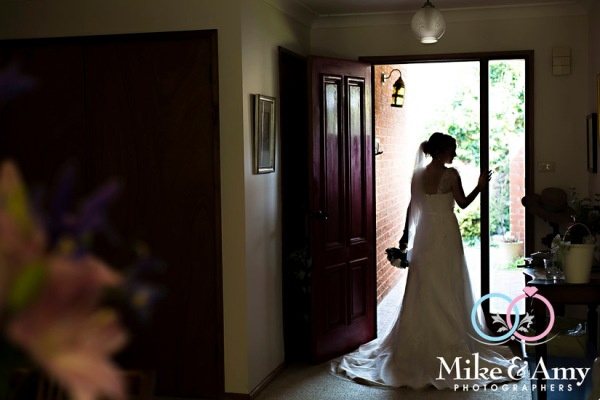 mike_and_amy_photographers_melbourne_wedding_photographers_ar-9