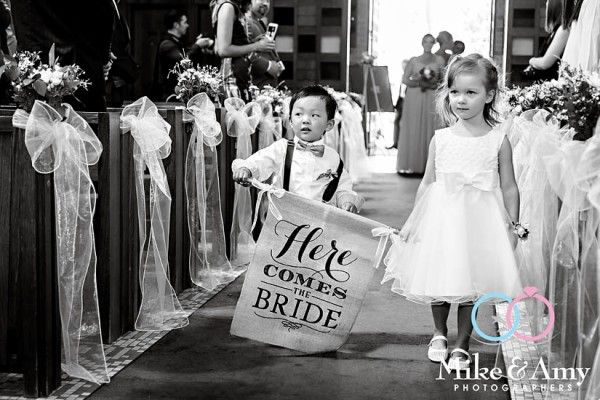 mike_and_amy_photographers_melbourne_wedding-13
