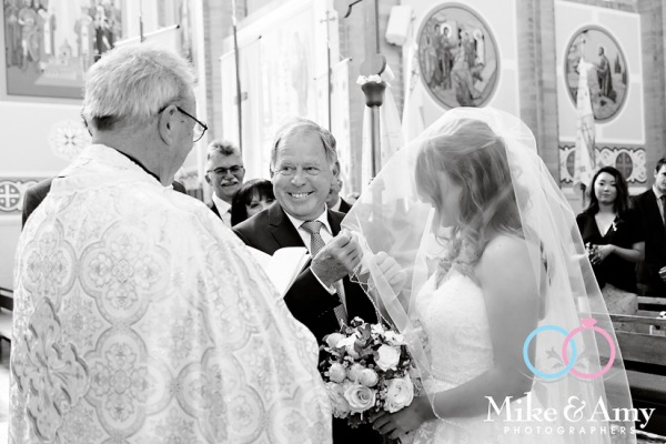 mike_and_amy_photographers_melbourne_wedding-15