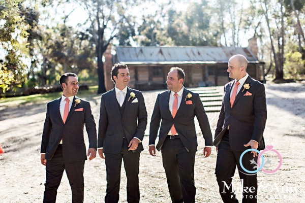 mike_and_amy_photographers_melbourne_wedding-21