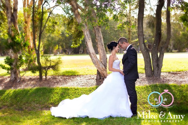 mike_and_amy_photographers_melbourne_wedding_photographer_yamba-28