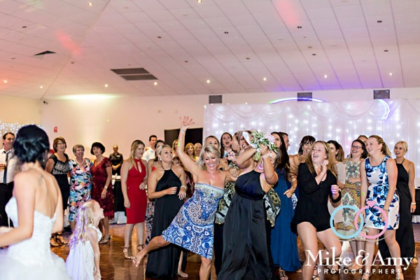 mike_and_amy_photographers_melbourne_wedding_photographer_yamba-35