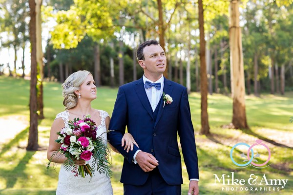 mike_and_amy_photographers_wedding_photographers-16