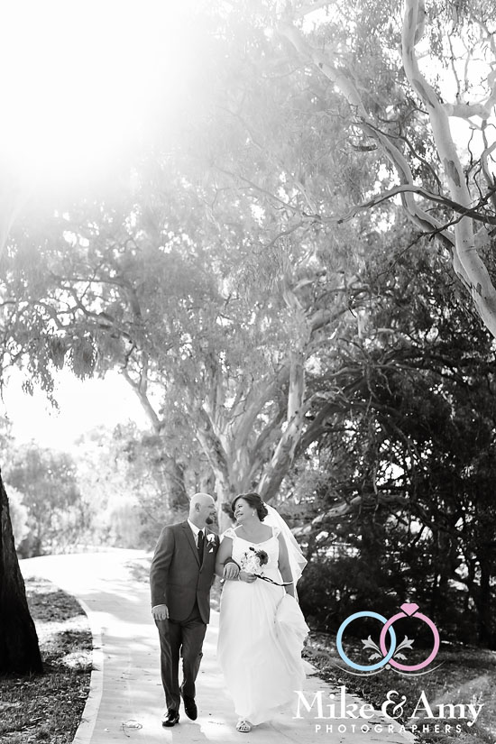 Mike_and_amy_photographers_melbourne_wedding_photographers-15