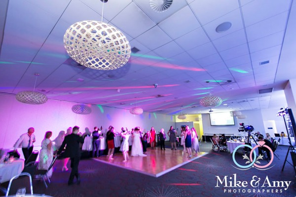 Mike_and_amy_photographers_melbourne_wedding_photographers-25