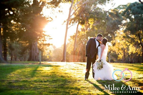 Melbourne_wedding_photographer_mike_&_amy_photographers-23