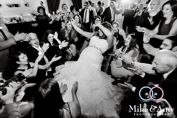 Melbourne_wedding_photographer_mike_&_amy_photographers-29