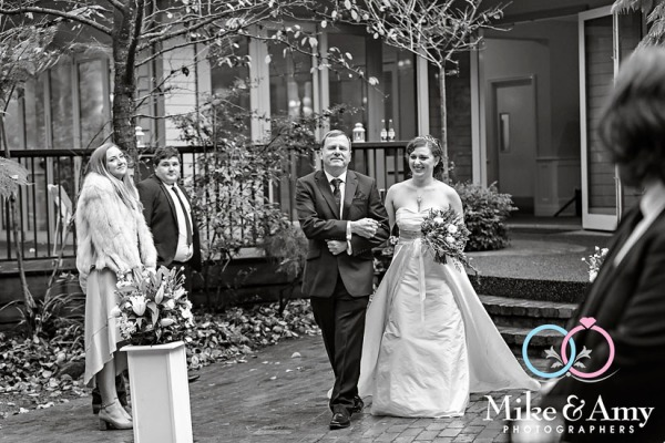 Mike_and_amy_photographers_melbourne_wedding-14