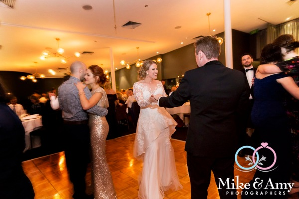Melbourne_wedding_photographer_mike_and_amy_photographers-34