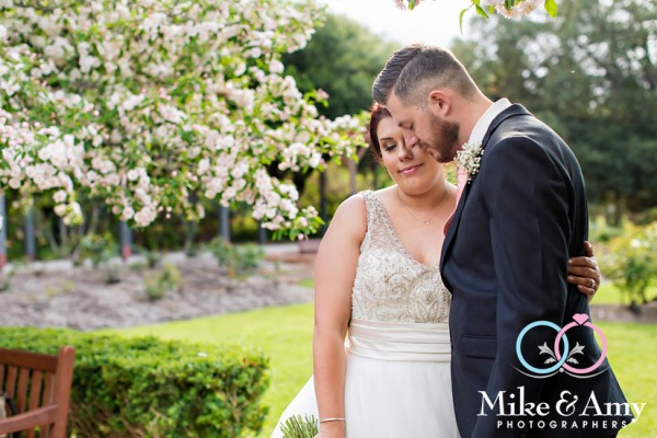 Melbourne_wedding_photographer_mike_and_amy_photographers-24
