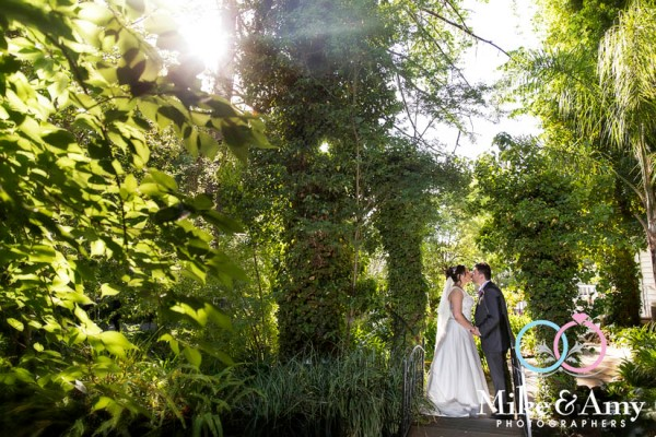 Mike_and_amy_photographers_melbourne_wedding_photographers-18