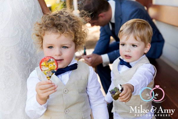 Mike_and_amy_photographers_wedding_photography_melbourne-11